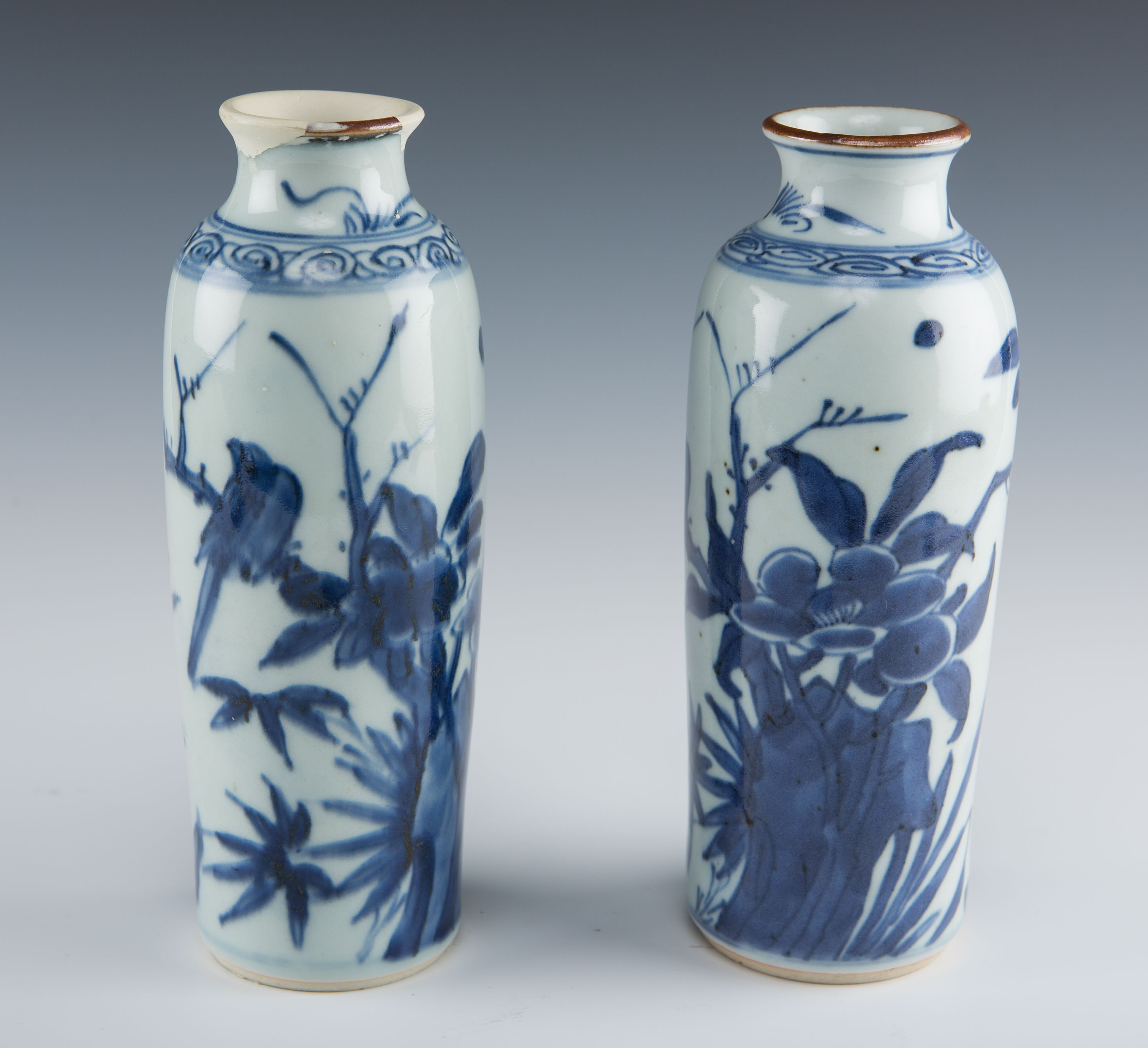 A pair of small blue and white Rollwagon sleeve vases, Chinese Transitional, circa 1650/60.