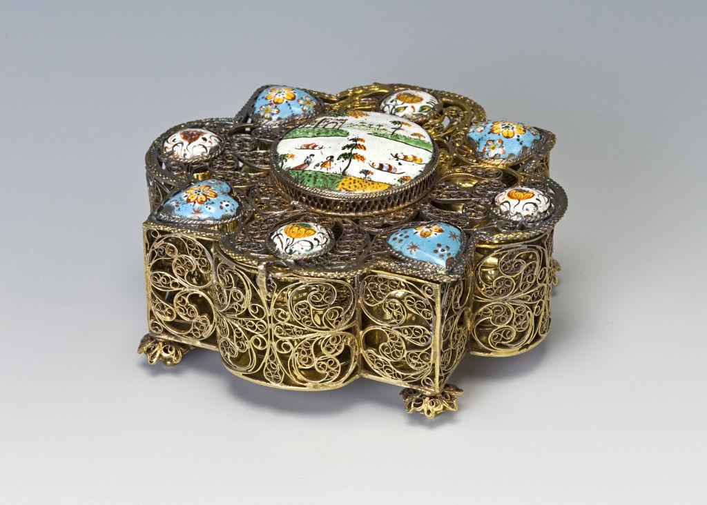 An Augsburg silver-gilt filigree casket.