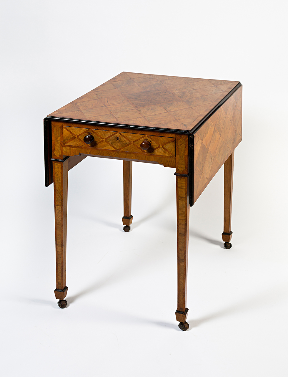 A George III Pembroke table by Henry Tatam, late 18th Century.