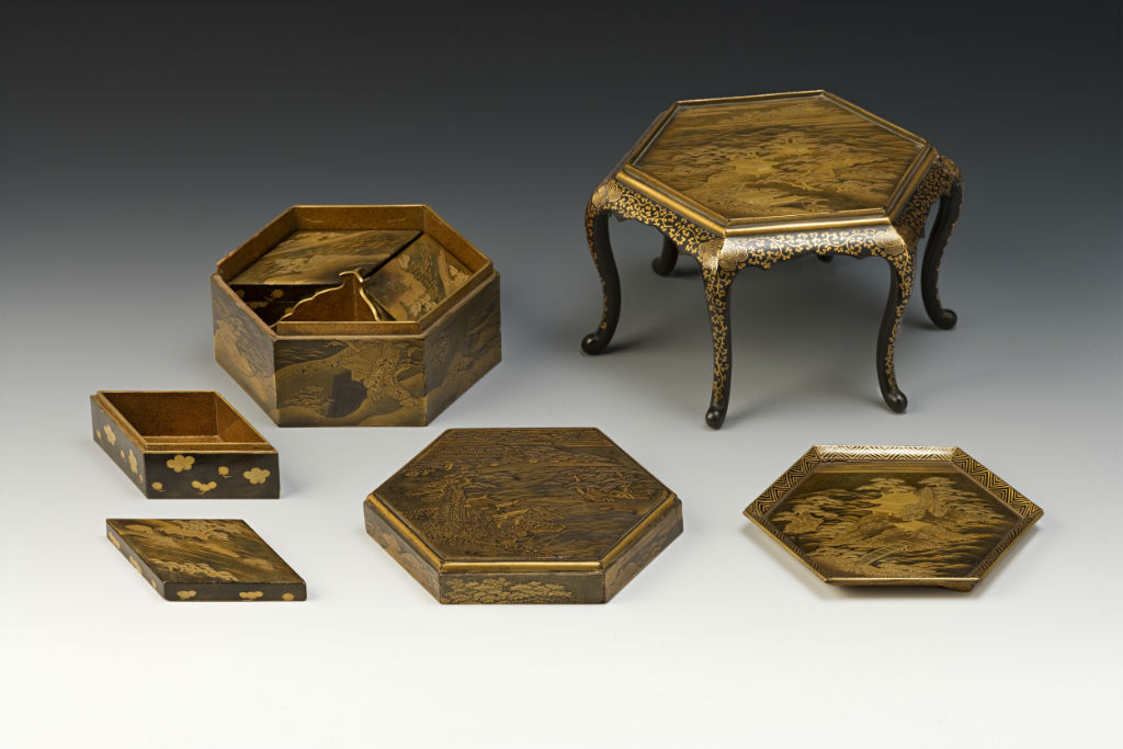 A hexagonal box for incense selection, with a stand, late 17th/early 18th Century.