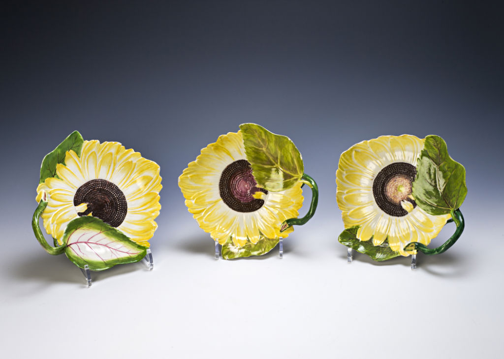 A set of six Chelsea sunflower dishes, circa 1755.