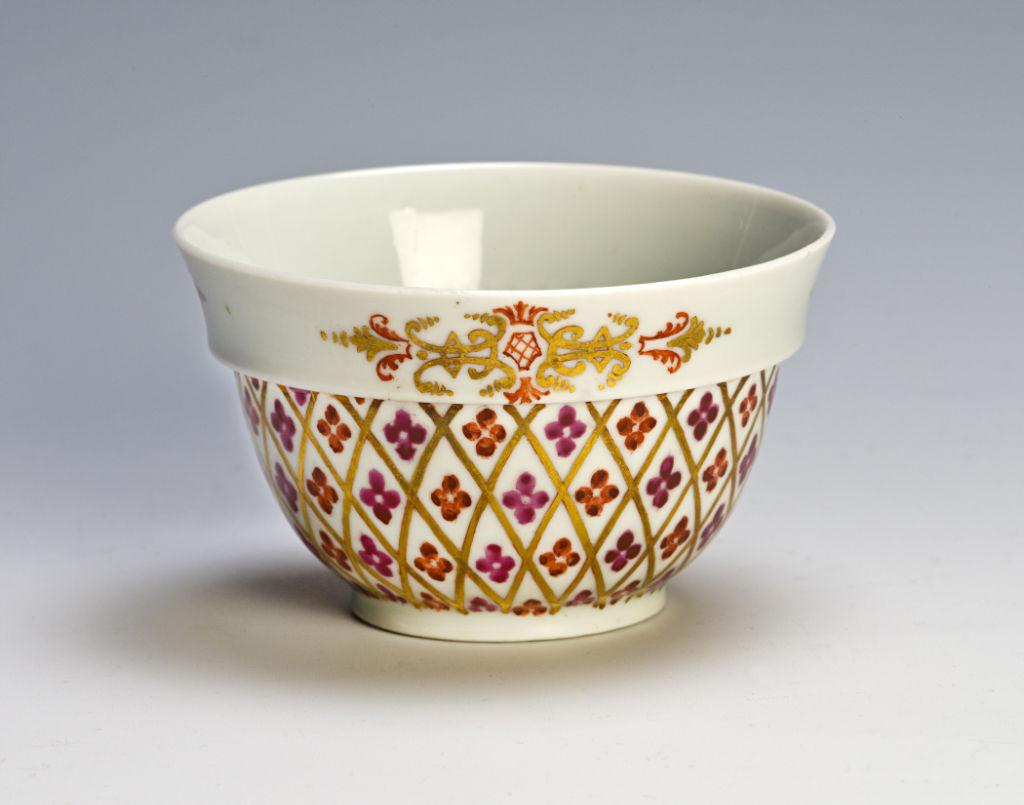 A  Du Paquier tea bowl, 1725-30.