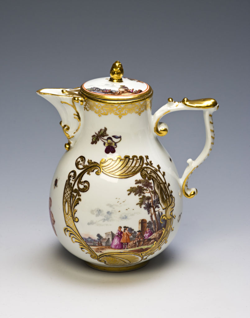 A Meissen tea and coffee service, circa 1740/45.