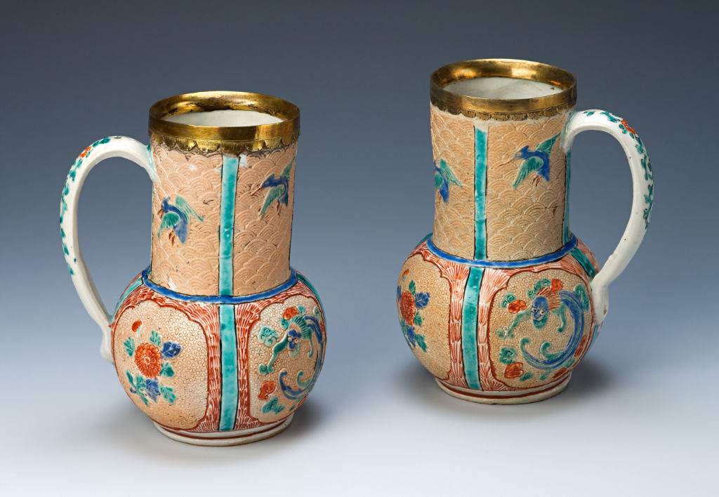 A pair of tankards, Japanese, circa 1660/80.