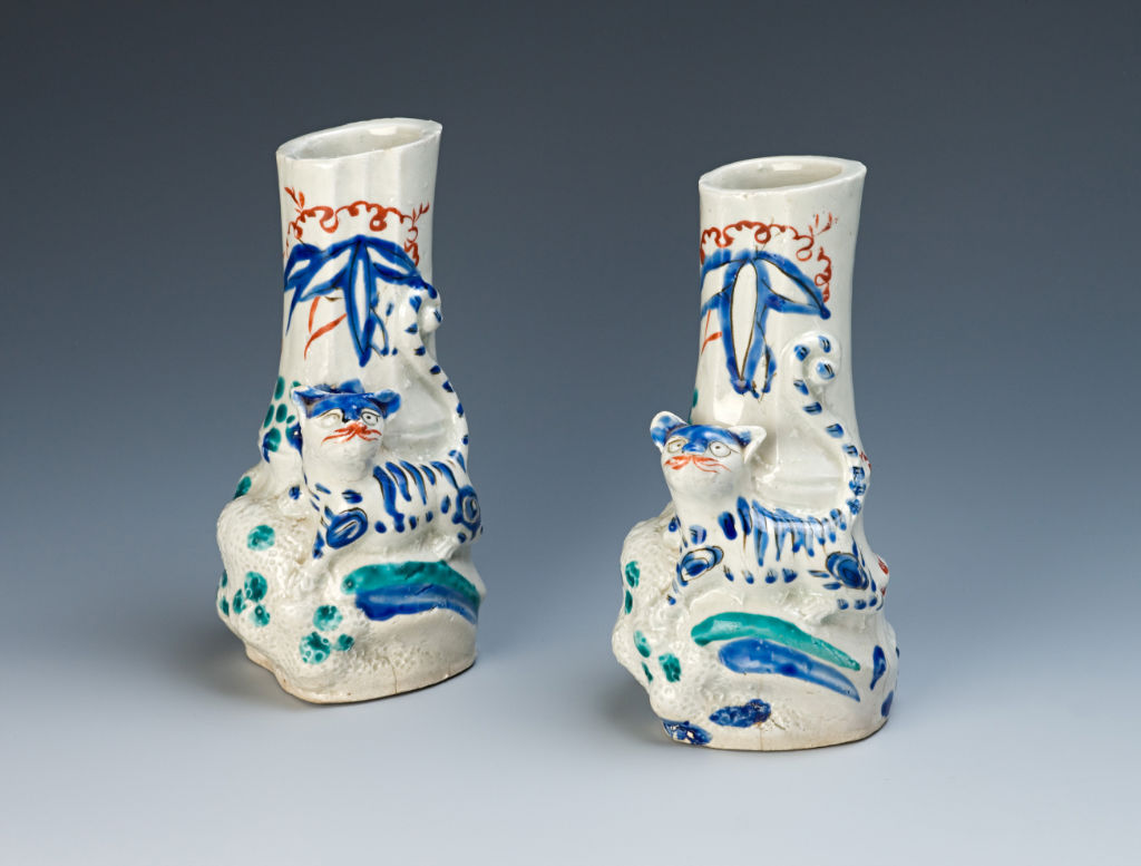 A pair of flower vases, circa 1660/80.