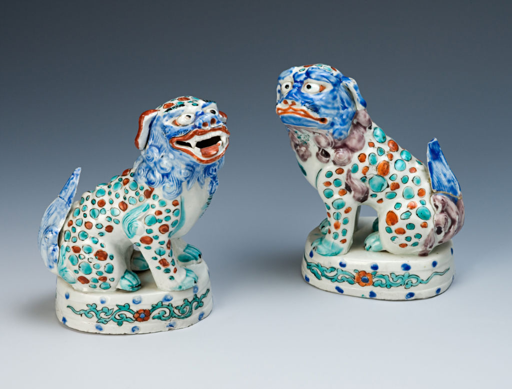 A pair of figures of shishi, Japanese, late 17th Century.