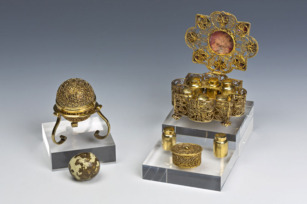 A Goa Stone, with its Silver-Gilt Filigree Case, late 17th Century and an Augsburg Silver-Gilt Filigree Casket, 18th Century.
