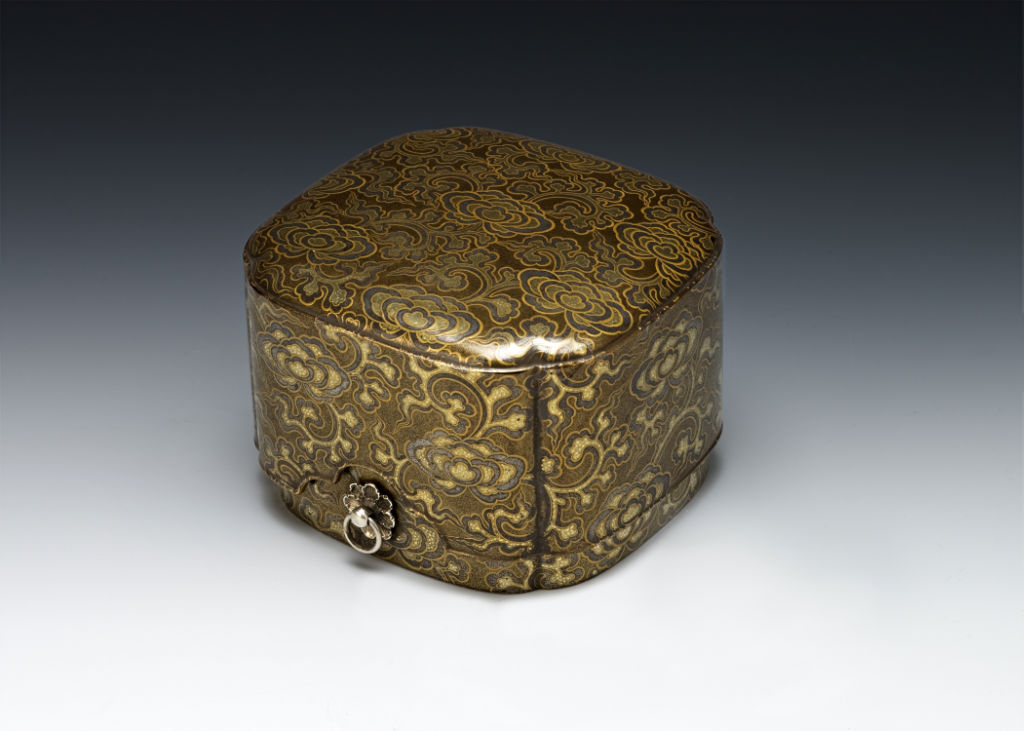 A quatrefoil box for incense selection, 18th Century.