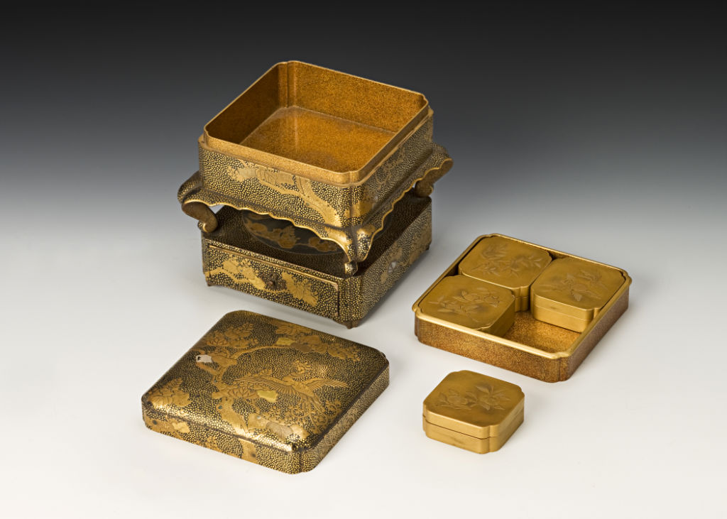 A box for incense selection, late 17th/early 18th Century.