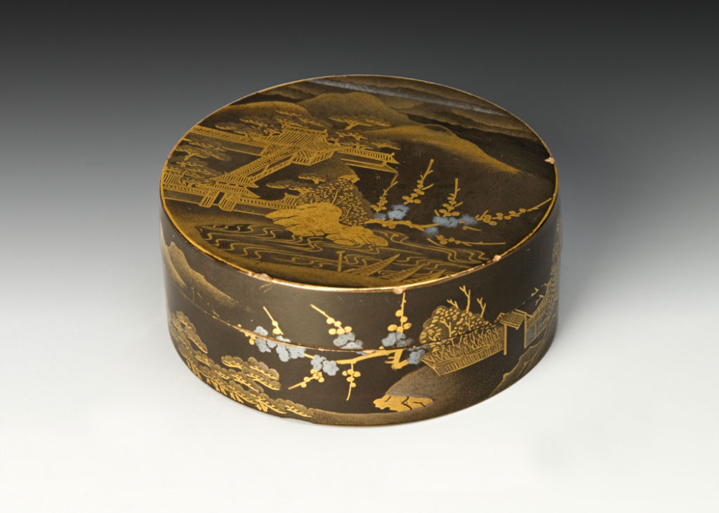 A cylindrical box and cover, 18th Century.