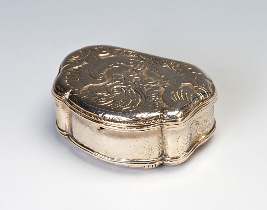 A Dutch shell-shaped box, maker's mark W, Amsterdam, circa 1730.