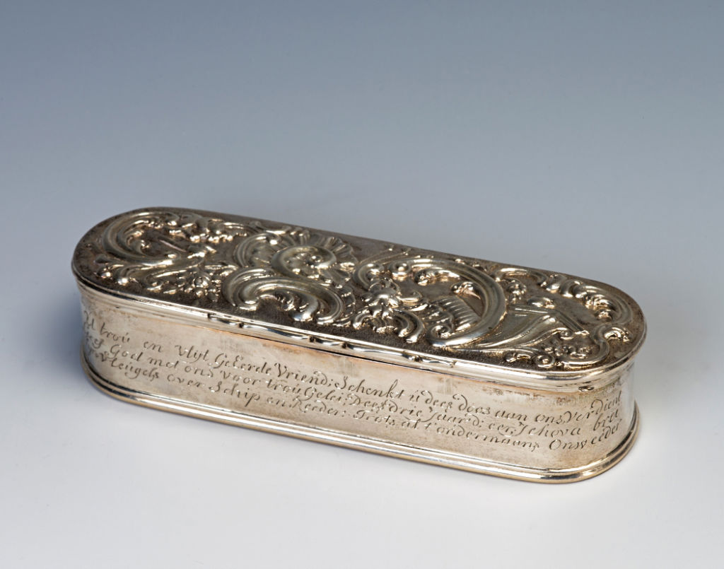 An 19th Century Dutch oblong tobacco box, maker's mark a head, Amsterdam, 1783.