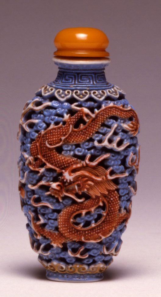 A porcelain snuff bottle, Jiaqing, (1796-1820).
