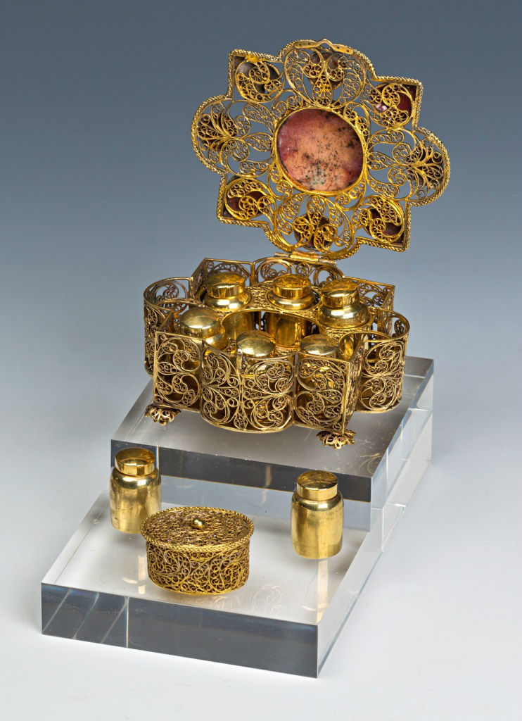 An Augsburg silver gilt filigree casket, 18th century.
