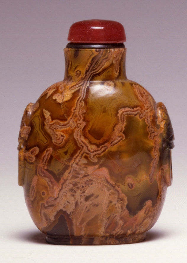 A quartz snuff bottle, 1780-1860.