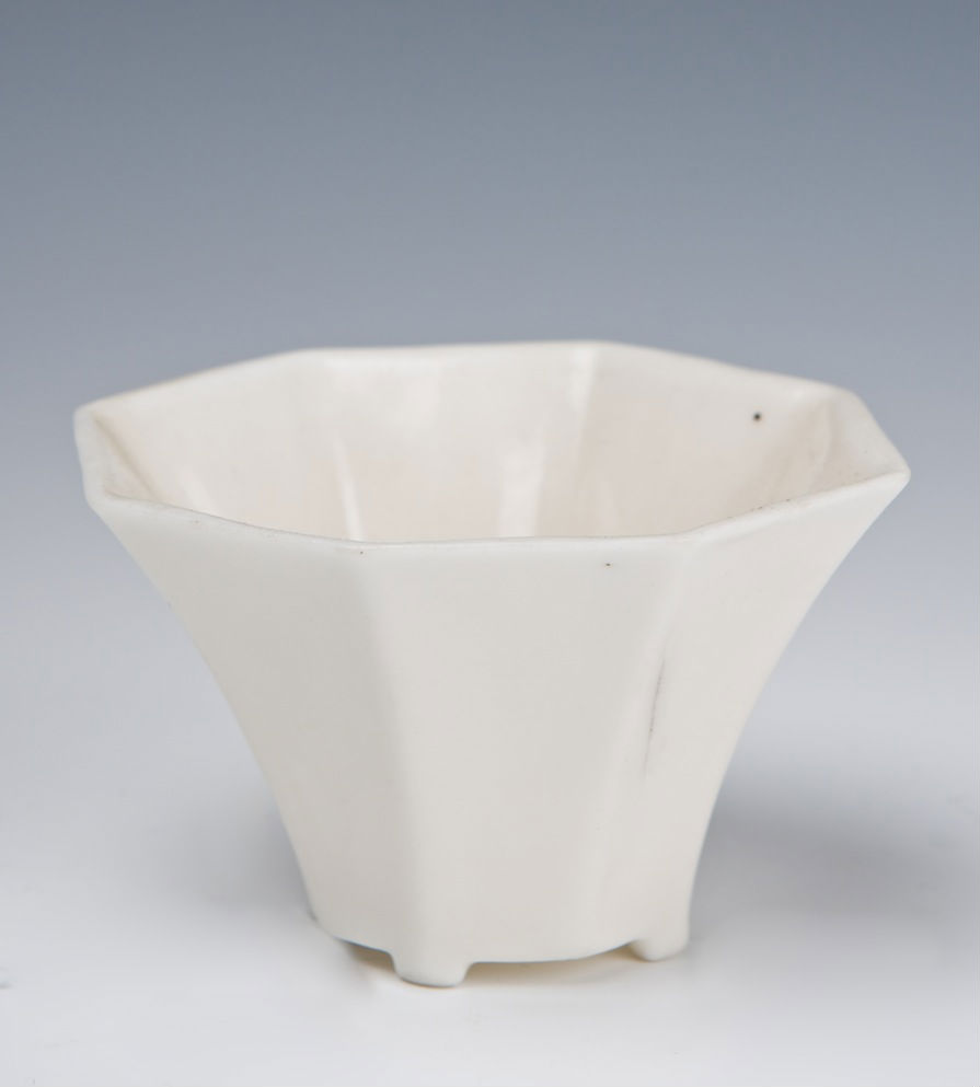 An octagonal blanc de chine wine cup, second half 17th Century.