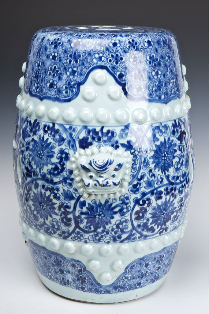 A pair of blue and white barrel-shaped garden seats, 18th Century, Kangxi.