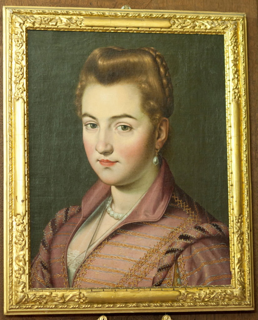 Attributed to Scipione Pulzone, (1555-1594)</br> A Lady of the House of Parma.