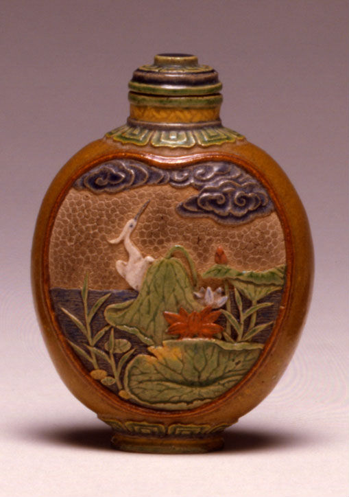A stoneware snuff bottle, 1800-1880.