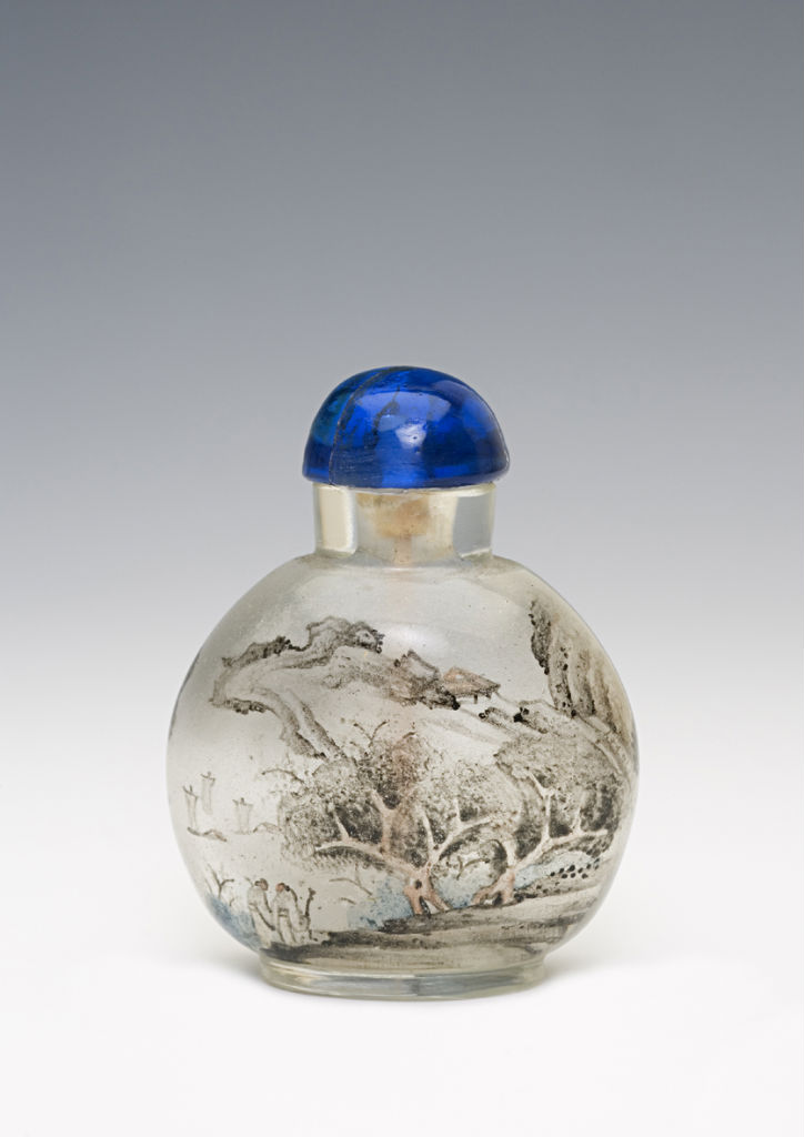 A  glass snuff bottle.