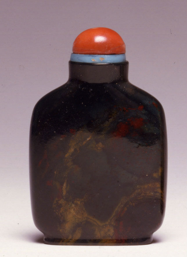 A quartz snuff bottle, 1800-1860.