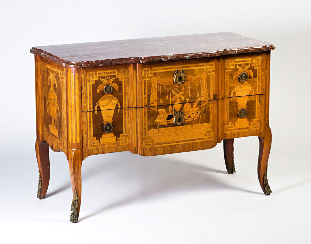 A Louis XV/XVI Transitional commode, circa 1770.