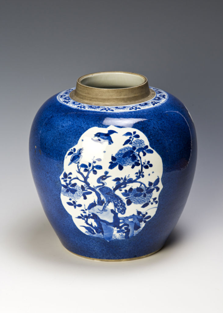 An ovoid jar, Kangxi, (1662-1722).