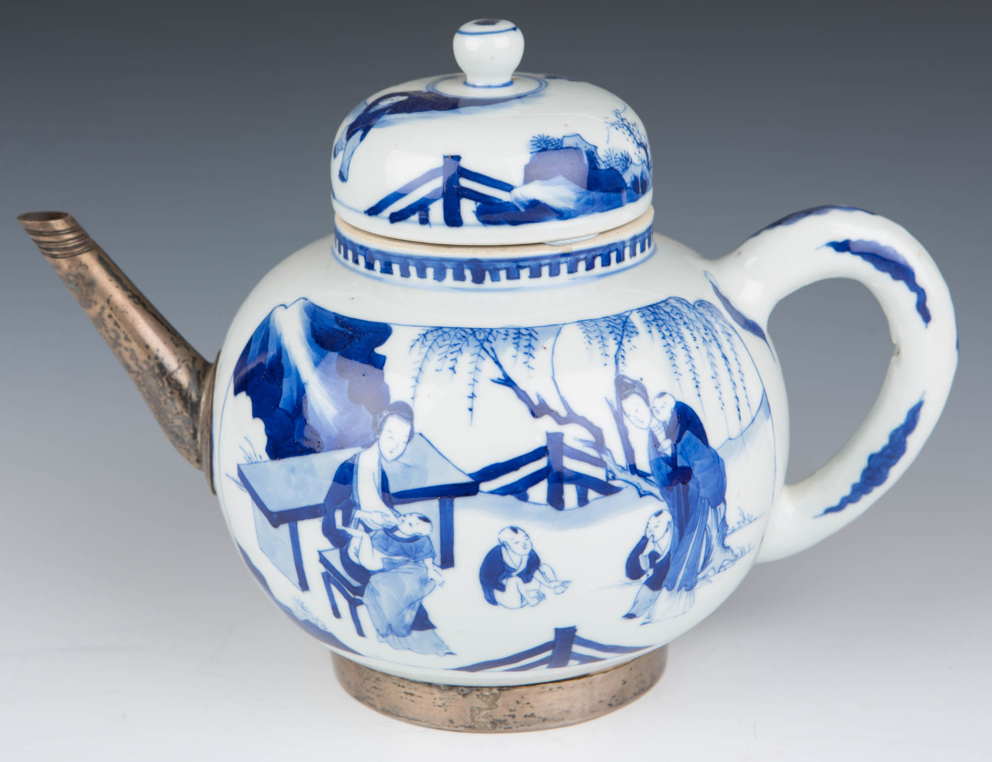 A blue and white globular teapot and cover, Kangxi, (1662-1722).
