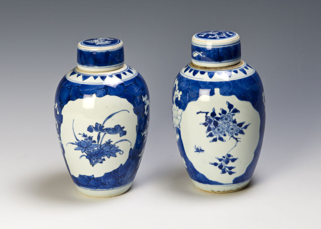 A near pair of Chinese blue and white jars and covers, Transitional, circa 1640-50.