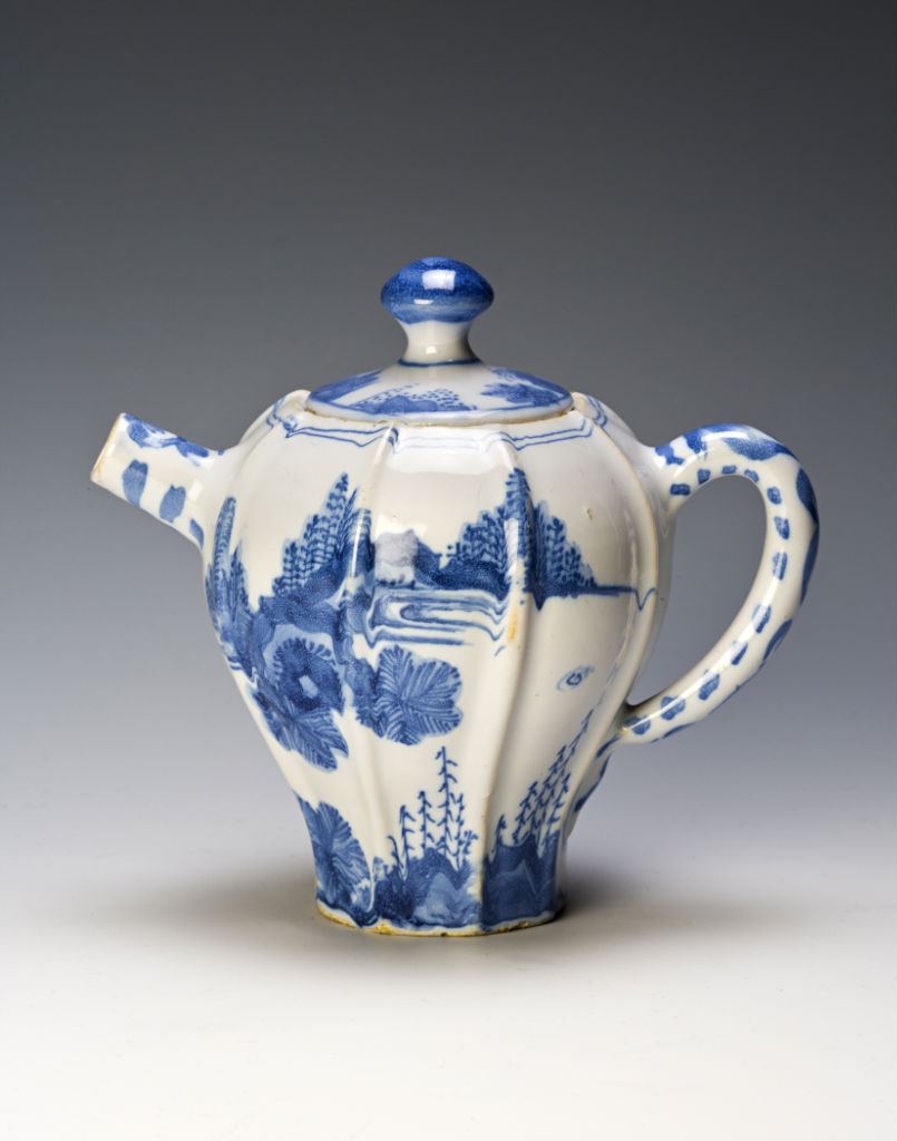 A Dutch Delft teapot and cover, circa 1700.