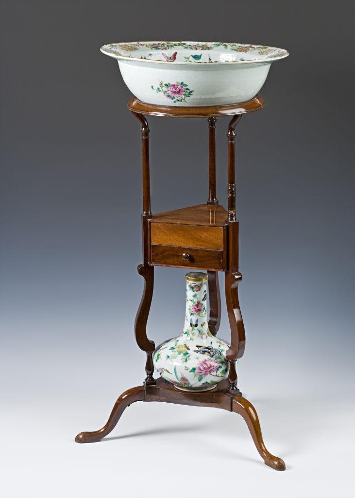A George III mahogany basin stand, circa 1760.