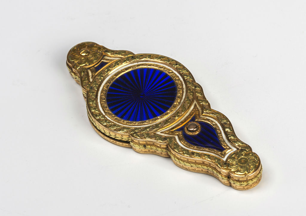 A French enamelled two-colour gold-mounted spy-glass.