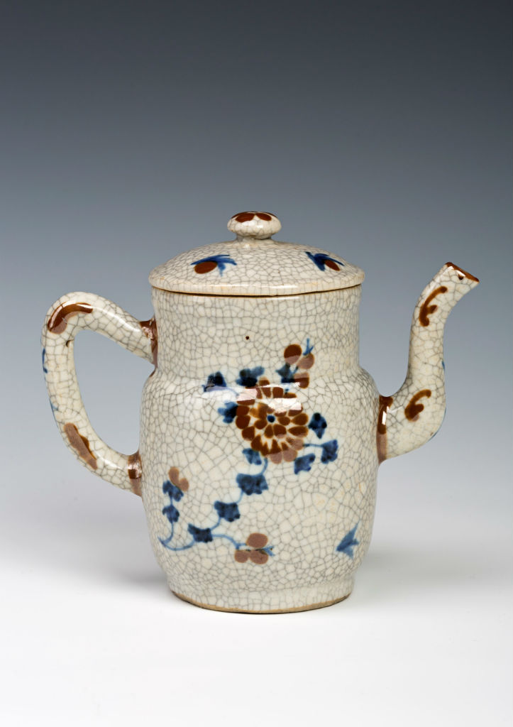 A pair of pouring vessels and covers, Chinese, late Ming, mid 17th Century.