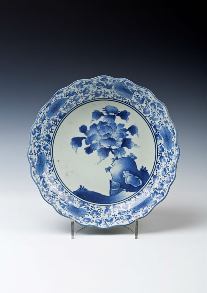 A pair of Arita blue and white wavy-edged dishes,   late 17th/early 18th Century.