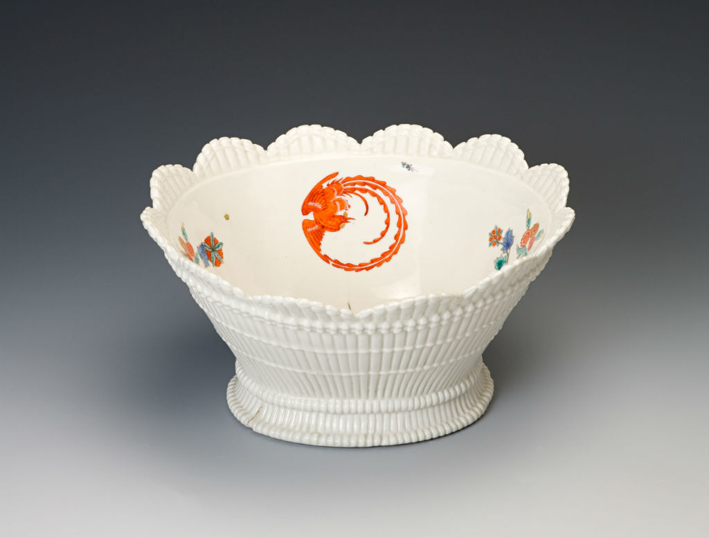 A Chelsea oval bowl, circa 1752.