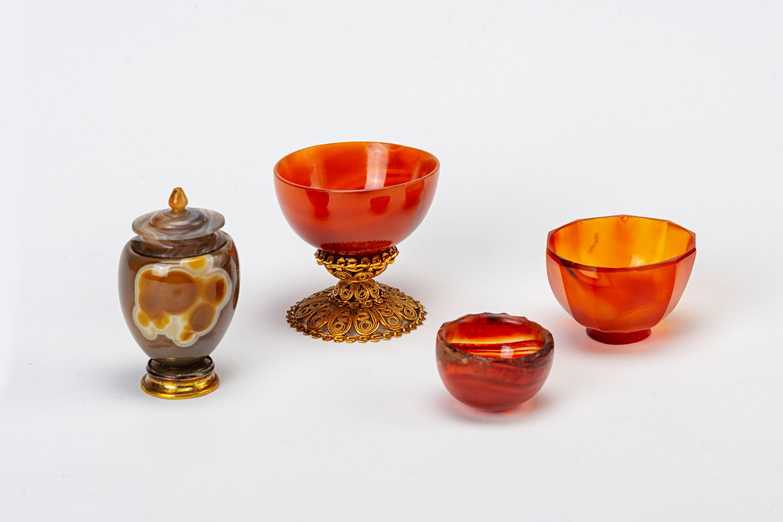 An Indian cornelian shallow bowl, 17th Century.