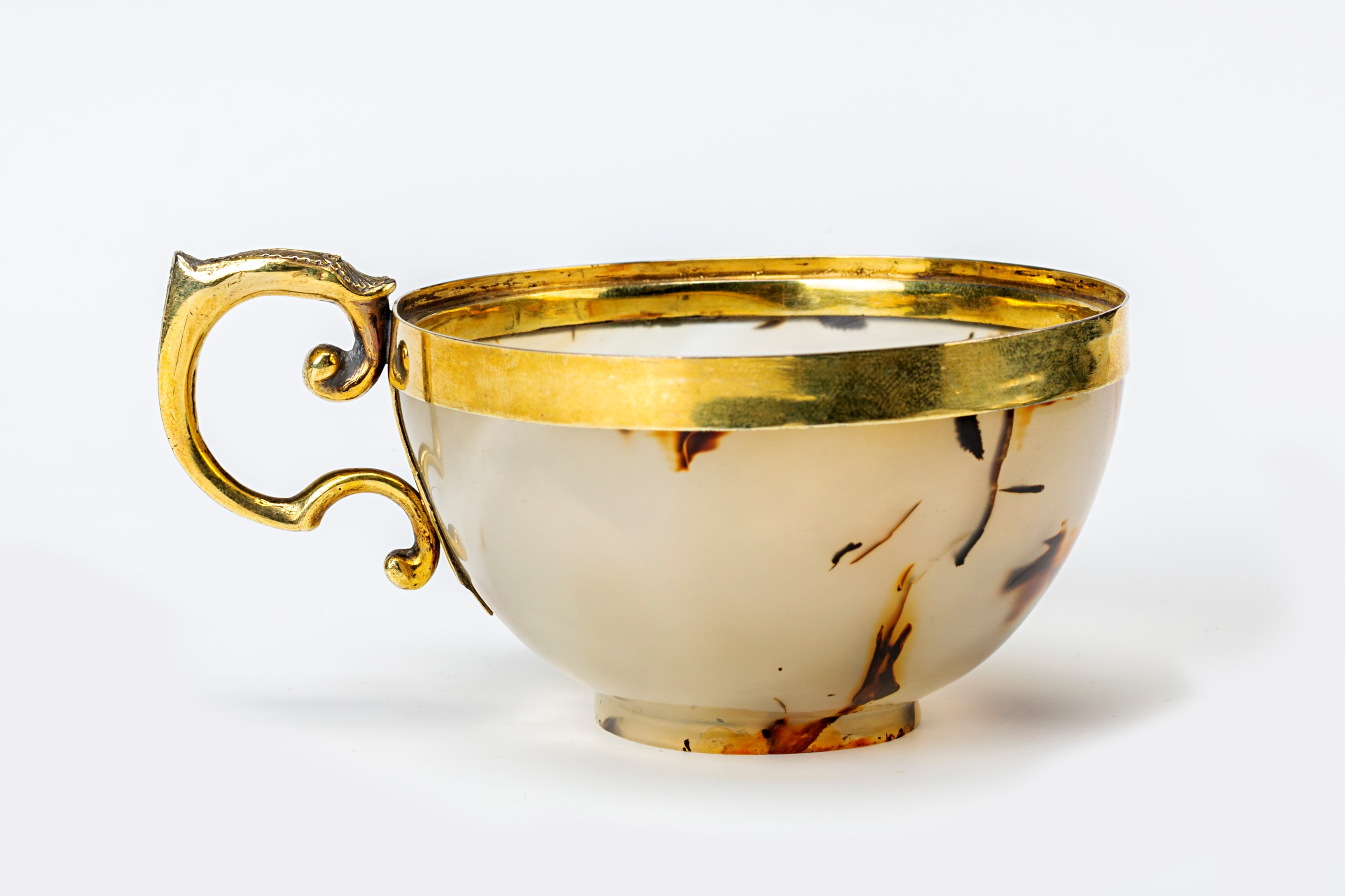 A silver-gilt mounted chalcedony teacup, 17th Century.