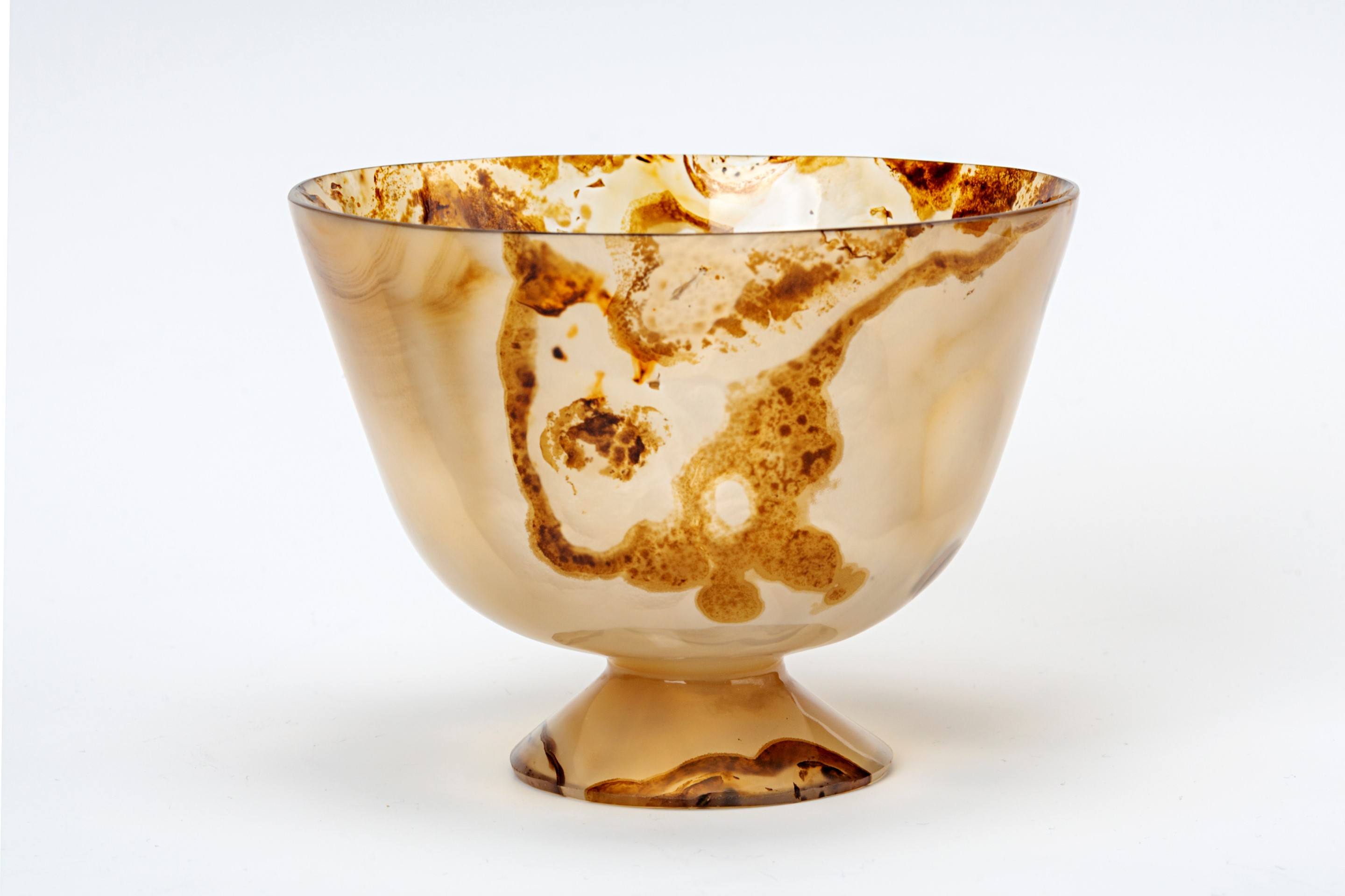 An agate bowl, 17th Century.